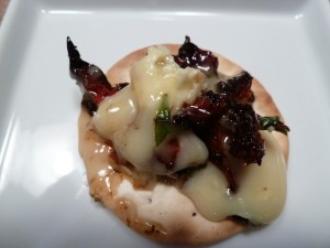 Brie with Sundried Tomato Pesto